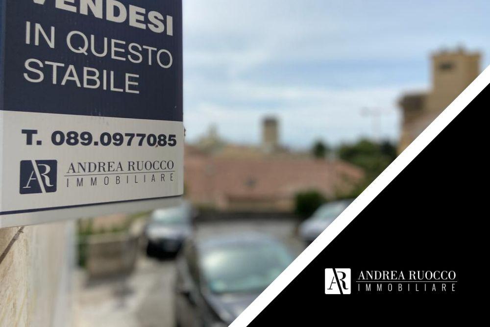 valutare una casa da acquistare cartello vendesi