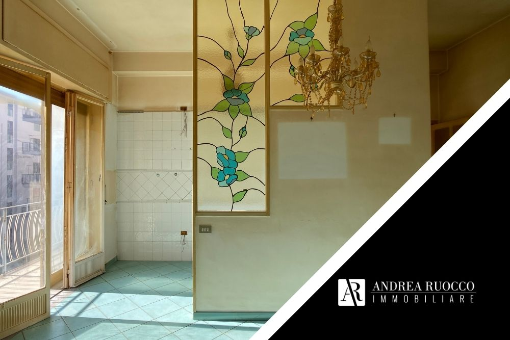 vendere casa con agenzia a Salerno immagine di interno
